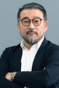 Portrait von Dr. med. Hideki Katano, Gründer von Venex und Experte aus Japan zu Regeneration und Schlaf